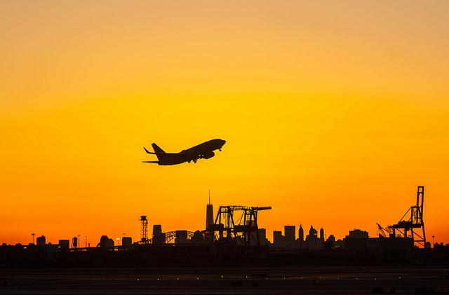 Nacer do Sol a partir do Aeroporto de Newark - Anthony Quintano